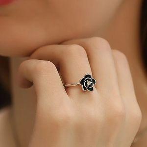 💎NEW💎 BLACK CAMELIA RING